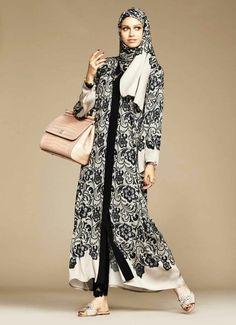 Dolce Gabbana Abaya Collection Black Banded Hijab Abaya – New, Modern Fashion Styles for Hijab Girls and Women clothing Islamic Fashion, Muslim Fashion, Modest Fashion, Estilo Abaya, Hijab Stile, Modele Hijab, Hijab Collection, Mode Abaya, Modest Outfits