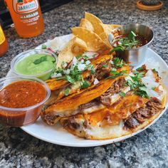 Crunchy, cheesy slow-cooked beef with 2 types of homemade salsa. Authentic Mexican Recipes, Mexican Food Recipes, Beef Recipes, Cooking Recipes, Dinner Recipes, Dinner Entrees, Healthy Cooking, I Love Food, Good Food