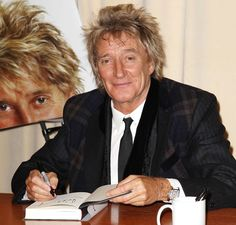 Rod Stewart signs autobiography