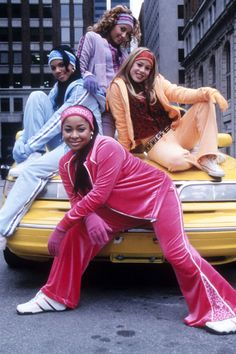 Back when Disney channel movies were actually worth watching. Love the Cheetah Girls The Cheetah Girls, 2000s Fashion, Fashion Outfits, Pink Outfits, Hip Hop Fashion, 00s Mode, Look 80s, Looks Hip Hop, Mode Poster