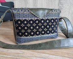 Lody'Création sur Instagram: 🌺 Mambo 🌺 Je vous présente le sac Mambo de @patrons_sacotin que je trouve magnifique 😍 Réalisé avec un tissus d'ameublement de qualité…