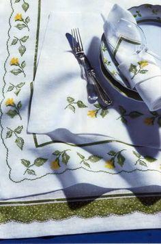 Gallery.ru / Фото #103 - Napkins, Carpets, Pillows 4 - Summerville
