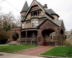 Old Victorian Houses Built Around Turn Century House Plans Of Old Victorian Homes Victorian Homes Exterior, Victorian Style Homes, Victorian Architecture, Beautiful Architecture, Architecture Design, Victorian Houses, Victorian Ladies, Modern Victorian, Victorian Manor