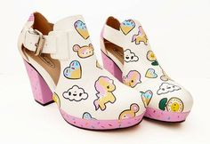 These make me want to get out my Dr Scholl's sandals and do some painting! Tokidoki Fan Art Shoes Kawaii fashion These make me want to get out my Dr Scholl's sandals and do some painting! Harajuku Fashion, Kawaii Fashion, Lolita Fashion, Cute Fashion, Fashion Shoes, Pretty Shoes, Cute Shoes, Me Too Shoes, Kawaii Shoes