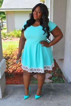 Musings of a Curvy Lady, Plus Size Fashion, Fashion Blogger, Charlotte Russe, Monochrome, Summer Style, Curvy Style, Lace Hem, Fit and Flare