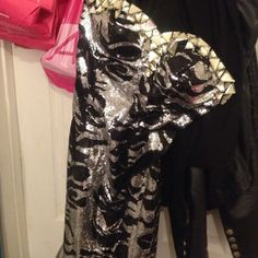 black and silver mermaid  prom dress !!! size 4 only paid 150 for it !! Dresses Prom