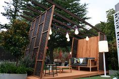 Enjoy your relaxing moment in your backyard, with these remarkable garden screening ideas. Garden screening would make your backyard to be comfortable because you'll get more privacy. Backyard Privacy Screen, Privacy Screen Outdoor, Privacy Screens, Porch Privacy, Screened In Patio, Pergola Patio, Cheap Pergola, Small Patio Design, Garden Design
