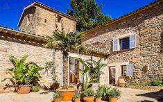 Korzikai parasztház Bakonyi falusi ház     Rusztikus enteriőr, hálószoba     Provence, mediterrán villa     Provence vidéki ház