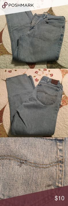 Men's Lee jeans Men's regular fit jeans, good condition spot on the back right pocket. Lee Jeans Straight