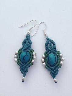 Stile tribale di macrame orecchini turchese di ARTofCecilia