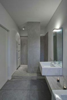 villa mm a biella - Federico Delrosso Architects Concrete Bathroom, Bathroom Spa, Bathroom Ideas, Washroom Design, Bathroom Interior Design, Contemporary Bathrooms, Modern Bathroom, Spanish House, Blue Rooms