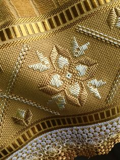1 million+ Stunning Free Images to Use Anywhere Hardanger Embroidery, Embroidery Stitches, Hand Embroidery, Sewing Blouses, Swedish Weaving, Free To Use Images, Crochet Snowflakes, Beautiful Nature Wallpaper, Towel Set
