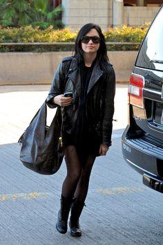 Demi Lovato purses photos | Demi Lovato - Demi Lovato Photo (12110382) - Fanpop fanclubs