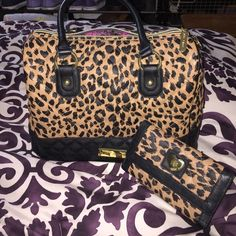 Betsey Johnson Matching purse and wallet Super cute Betsey Johnson leopard print purse and matching wallet. In very good condition no rips, tears, or stains Betsey Johnson Bags Totes