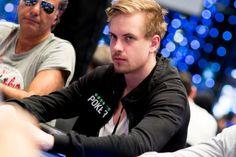 Виктор Блум играет в плюс в сети Microgaming под ником «hrskar».  Шведский профессиональный игрок Виктор Блум (Viktor Blom) в последнее время довольно редко появлялся на PokerStars, однако это не означает, что он решил притормозить с покером. MPN, Виктор Блум, Онлайн-покер