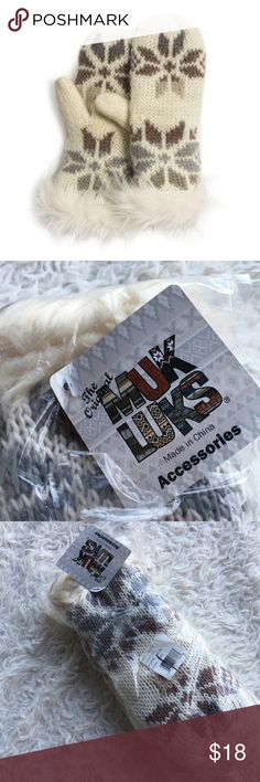MUK LUKS ✨NWT✨ Fair Isle Snowflake Mittens Brown & Gray Fair Isle Snowflake Cream Mittens. NEW Muk Luks Accessories Gloves & Mittens