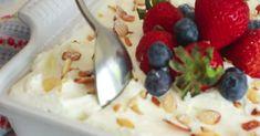 Heerlijk luchtig en fris! Tiramisu, Foodies, Oatmeal, Bbq, Food And Drink, Candy, Make It Yourself, Fruit, Breakfast