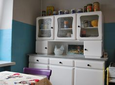Little Kitchen Hutch Little Kitchen, Old Kitchen, Kitchen Cupboards, Cabin Kitchens, Good Old Times, Beautiful Kitchens, China Cabinet, Upholstery, Childhood