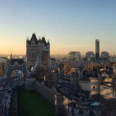What a beautiful morning in London  #GleeOfLifePhotography #london #goodmorning #sunrise #blogger #londoner #towerhill #toweroflondon #photography #sunrise_sunsets_aroundworld by gleeoflife1