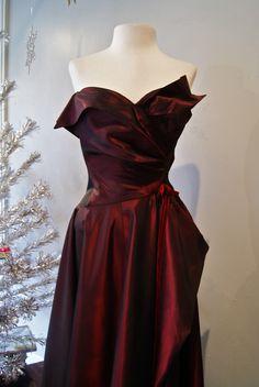 1950's red taffeta ball gown - detail