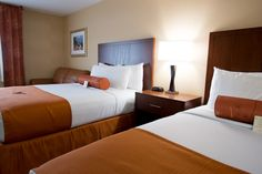 Our luxurious oversized Double Queen Suite combines flexible, comfortable space with the versatility of two beds.