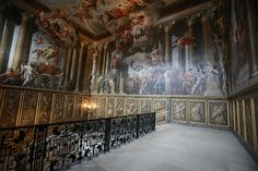 Hampton Court Palace_London_040111_BZ 080 by Barry Zee, via Flickr Kingston Upon Thames, Palace London, The Royal Collection, Fantasy Castle, Hampton Court, Art And Architecture, Room Interior, Castle Interiors, Britain