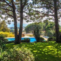 Modern villa close Grand Hotel , sea views, extensive gardens, pool and calm. #capferrat #grandhotel #beaulieu #villa #seaview #seasonalrental #luxuryrental #luxuryrealestate #hr #hermitage #hermitageriviera #pool #property #propertyporn #realty #realestate #villefranche #stjean #saintjeancapferrat #villa #expensive #frenchriviera #riviera #cotedazur #cool #vacation #elegance