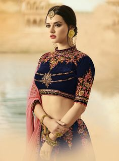 Indian Bridal Fashion, Indian Wedding Outfits, Indian Outfits, Indian Attire, Indian Wear, Saree Models, Desi Clothes, Indian Beauty Saree, Indian Designer Wear