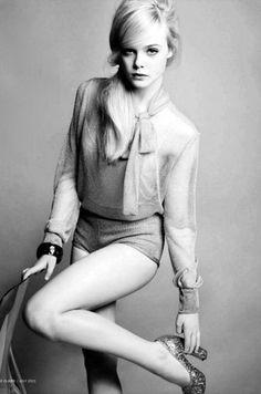 ☆ Elle Fanning ☆ Evan Rachel Wood, Fashion Gallery, Fashion Shoot, Editorial Fashion, Fashion Hair, High Fashion, Side Pony, Fanning Sisters, Retro