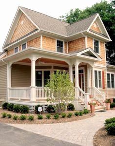 Gorgeous 80 Awesome Victorian Farmhouse Plans Design Ideas https://roomadness.com/2018/02/18/80-awesome-victorian-farmhouse-plans-design-ideas/