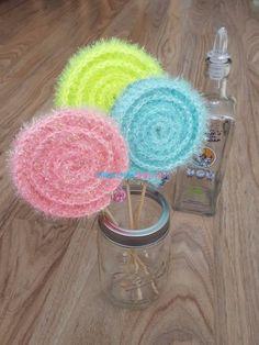 새로운 수세미에 대해 늘 고민하던 야코는 한겹도 아니고 두겹도 아닌....호빵수세미는 더더욱 아닌 새로운... Crochet Designs, Crochet Patterns, Amigurumi Doll, Clothing Patterns, Holiday Crafts, Crochet Projects, Free Pattern, Diy And Crafts, Knit Crochet