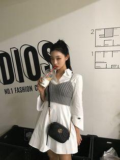 Happy Monday You can find Korean street fashion and more on our website. Fashion Mode, Korea Fashion, Asian Fashion, Look Fashion, Girl Fashion, Fashion Outfits, Womens Fashion, Fashion Tips, Tokyo Fashion