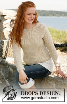"""Knitted DROPS jumper with textured pattern in """"Nepal"""". Size: S - XXXL. ~ DROPS Design"""