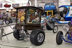 Stupid idea for a car, even dumber for a trike. Harley Davidson Custom Bike, Harley Davidson Chopper, Custom Trikes, Custom Choppers, Custom Cars, Hd Vintage, Vintage Bikes, Vw Trike, Old School Chopper