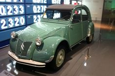 From Citroen press The 2 CV created a sensation when it was unveiled at the Paris Motor Show on 7 October 1948. Initial reactions were grating.