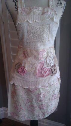 AnnieMaeDesigns: Hostess apron