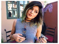 Rainbow Hair Colors on Celebrities - Cotton Candy Hair - Seventeen Kylie Jenner Fotos, Look Kylie Jenner, Kylie Jenner Hair, Kylie Jenner 2014, Jenner Makeup, Kardashian Jenner, Cotton Candy Hair, Look 2015, Tips Belleza
