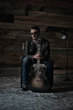 Eric Church Talks Mr. Misunderstood, His Gibson Hummingbird Dark and More