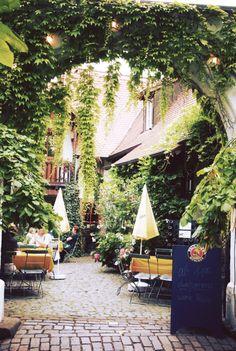 Weinstraße in Edenkoben, Germany