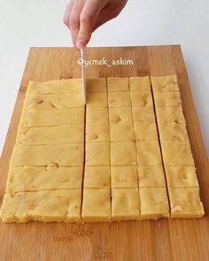 Tuzlu Fındıklı Kurabiye Tarifi - Mutfakgram Butcher Block Cutting Board, Food Hacks, Biscuits, Favorite Recipes, Cookies, Cake, Kitchen, Instagram, Crack Crackers