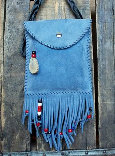 While you are out at a music festival, create the feeling of gypsy freedom with the swishing of beaded leather fringe against your hip. This Boho Fringe Handbags, Fringe Purse, Leather Fringe, Leather Bag, Valentine Gifts For Girls, Gypsy Bag, Summer Bags, Blue Suede, Girl Gifts