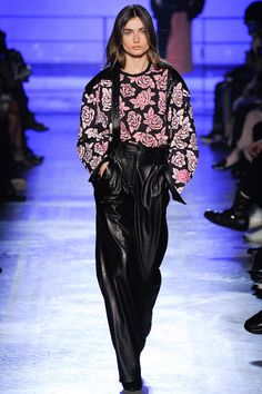 Emanuel Ungaro Fall 2014 RTW - Runway Photos - Fashion Week - Runway, Fashion Shows and Collections - Vogue