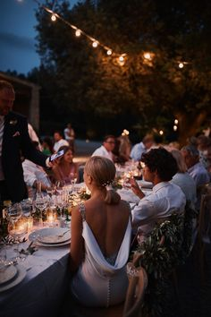 Pronovias dress + Tuscany wedding. Photography by Benjamin Wheeler #backlessweddingdress