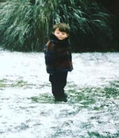 Baby Louis No puedo creer que esta foto sea real. Fetus One Direction, One Direction Humor, One Direction Pictures, Direction Quotes, Larry Stylinson, Louis Tomlinson Baby, Tomlinson Family, Foto One, Arte Indie