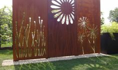 Sichtschutz im Garten – ...maybe with different design cut out...or street numbers.