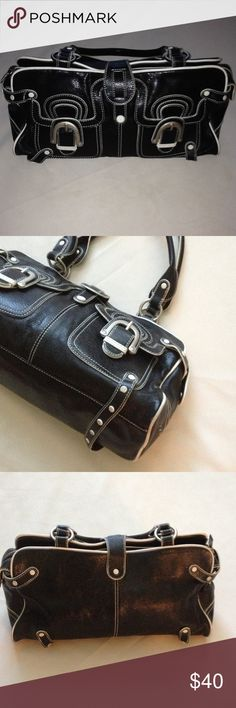 """Hype black & white satchel handbag Beautiful leather purse in good condition, very spacious inside with additional pockets. Zip & snap closure. There's also 2 front pockets. 14.5"""" across, 8 3/8"""" tall, 8.5"""" strap drop, 6"""" deep Hype Bags Satchels"""