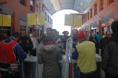 Recogida de Dorsal y Chip en la explanada del Centro Comercial Plaza de Aluche