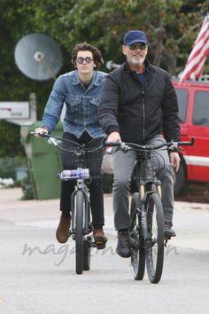 Pierce Brosnan y su hijo Dylan