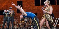 """Le Théâtre national de Chaillot présente en décembre deux pièces de l'inclassable Alain Platel, """"Coup fatal"""", qui avait enchanté le Festival d'Avignon en 2014, et """"En avant marche !"""", joyeux hommage aux fanfares."""