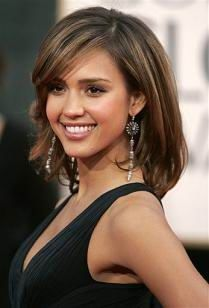 Jessica Alba Inspired Full Lace Wig with Premium Celebrity Cut love her and her hair! Medium Hair Styles, Short Hair Styles, Hair Medium, Medium Cut, Medium Layered, Layered Hair, Jessica Alba Hair, Jenifer Aniston, Great Hair